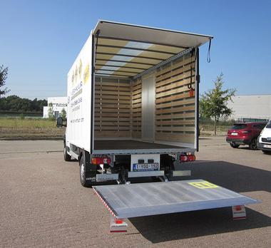Bestelwagen 18m³ met laadklep